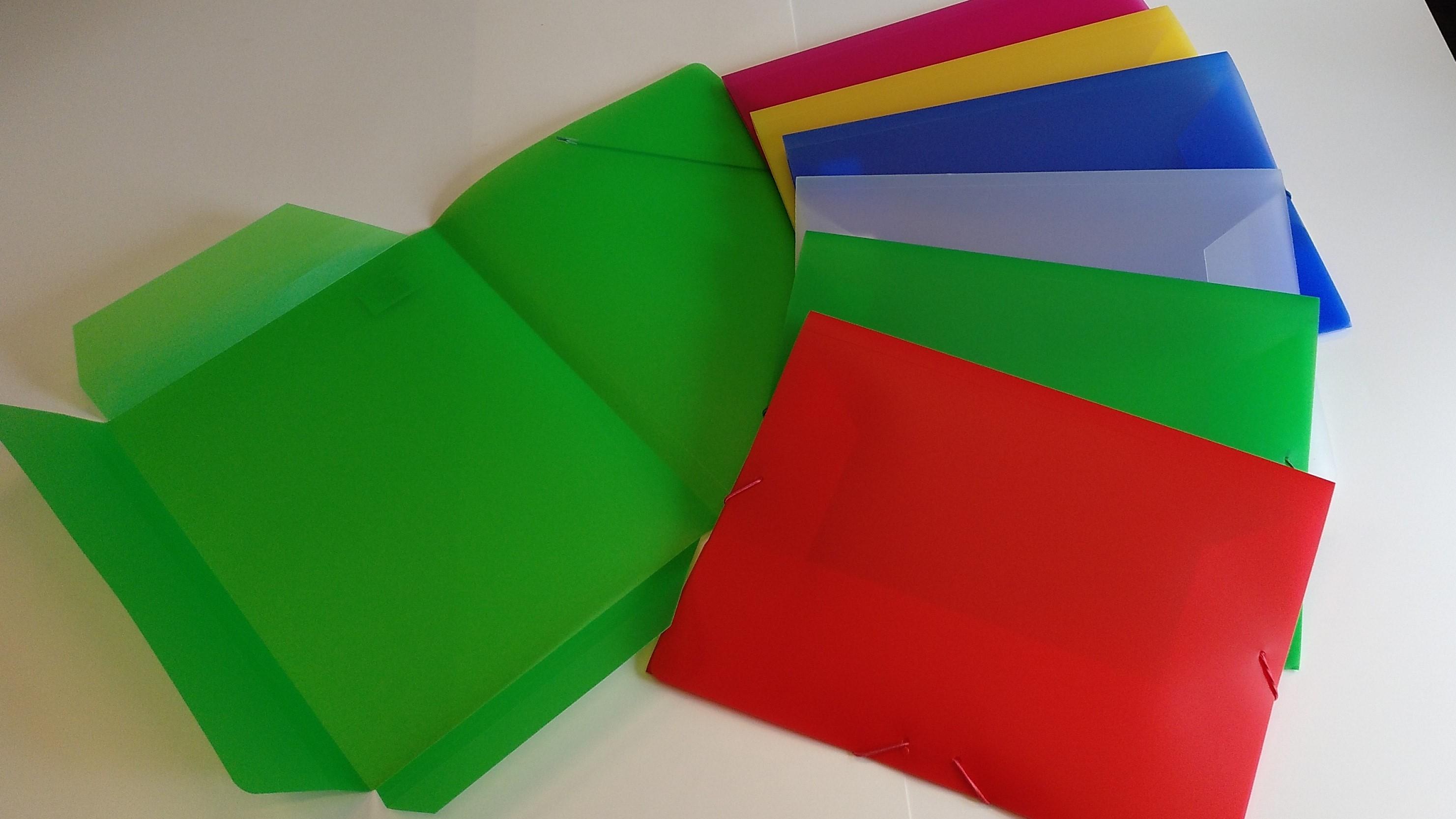 Producto:  Carpeta solapas folio Colores Translúcidos